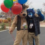 Fursuiters_BJ_Buttons_and_Cobalt_balloons
